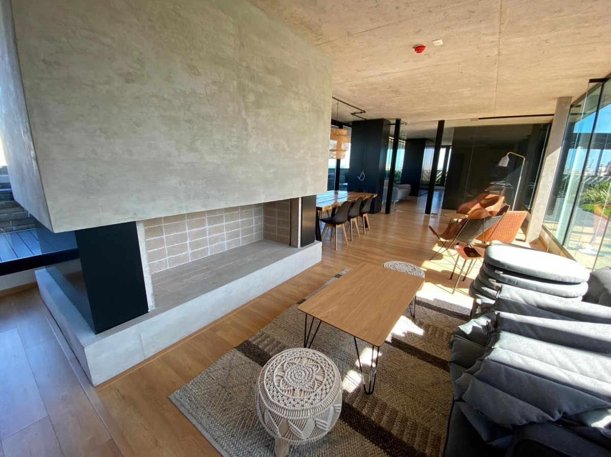 apartamento centro alquiler y venta 1 dormitorio penthouse andes y soriano ed. alma brava