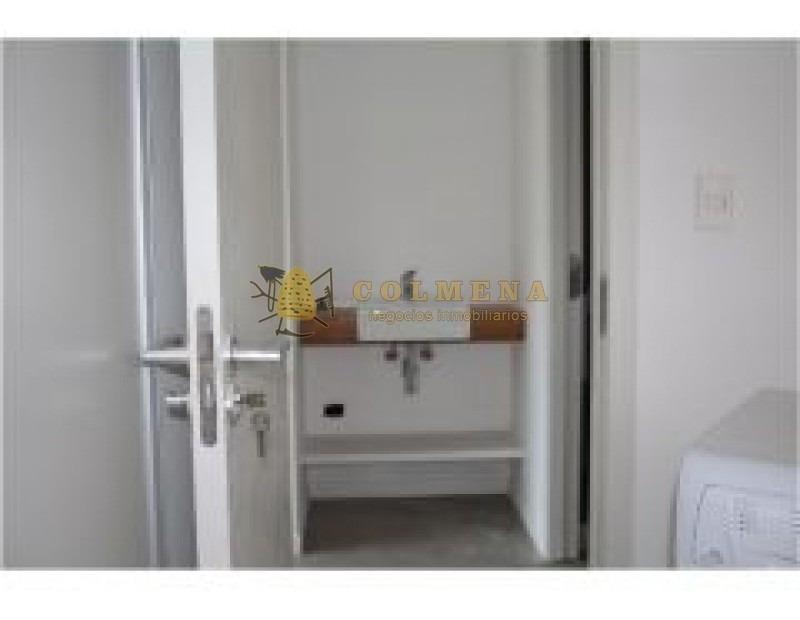 apartamento cerca de tienda inglesa  muy buena ubicacion, de 1 dor, 1 baños y cochera. consulte!!!!!!!-ref:2052