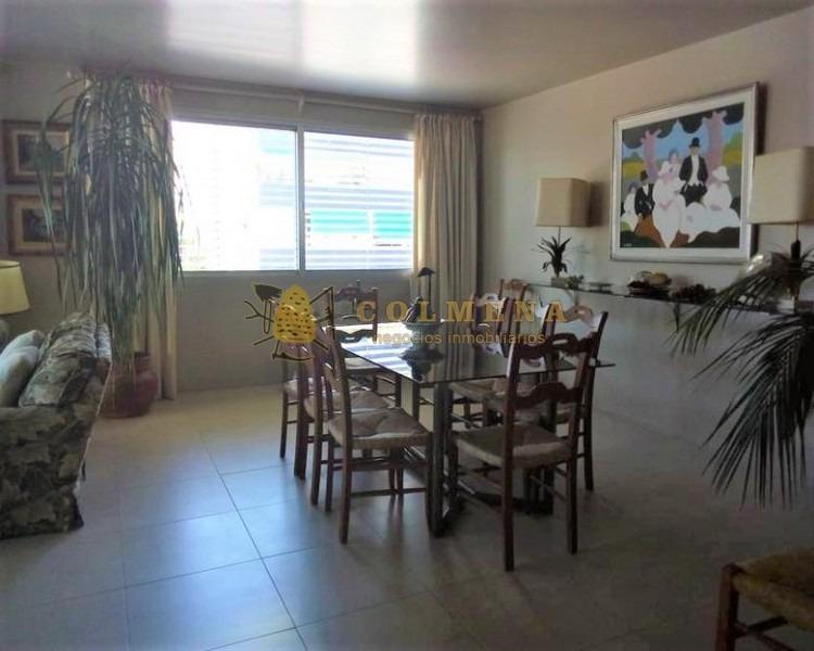 apartamento cerca del puerto y rambla de 3 dormitorios, 2 baños, 1 suite, living-comedor, cocina, lavadero, servicio con baño y garaje. consulte!!!!!- ref: 1660