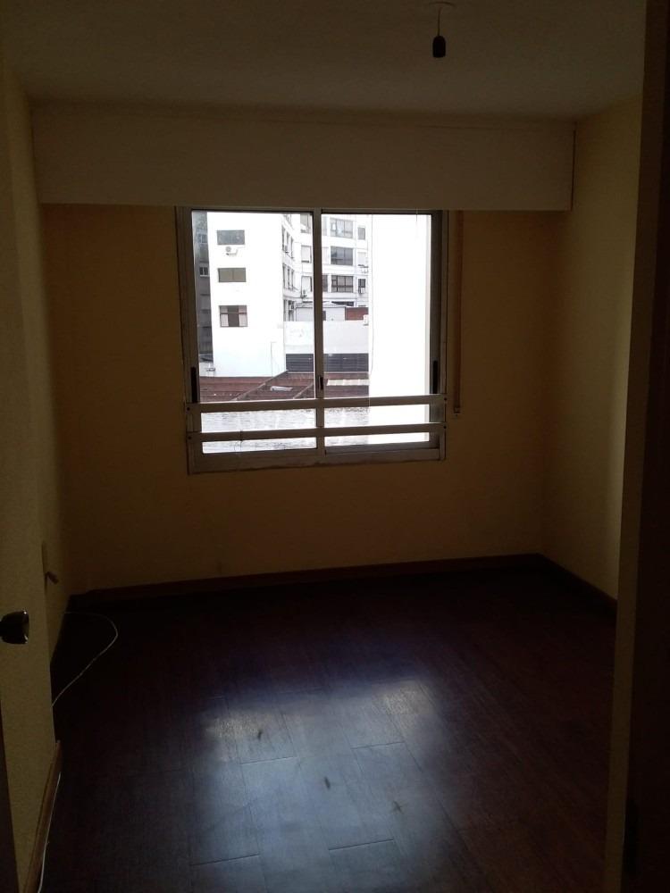 apartamento cercano a tres cruces y 18 de julio.