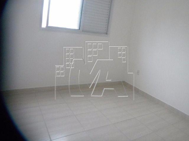 apartamento com 02 quartos 01 suíte- próximo à praia