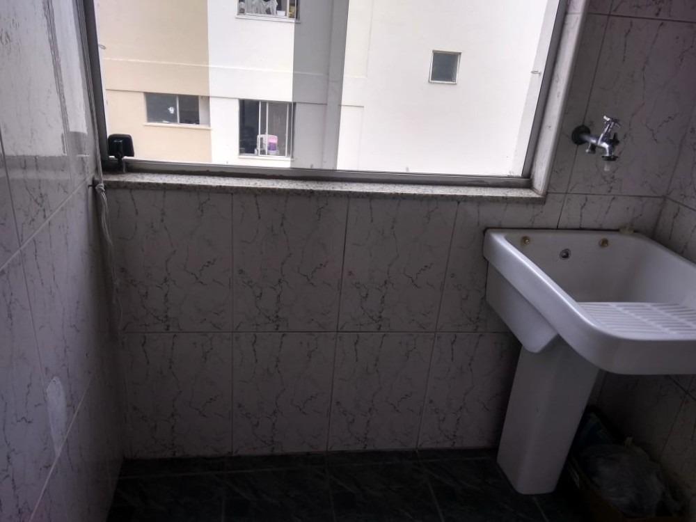 apartamento com 02 quartos 02 banheiros 01 vaga playground