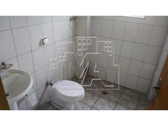 apartamento com 02 quartos - todo comércio próximo à você