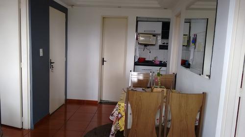 apartamento com 03 dormitórios e 01 vagas.