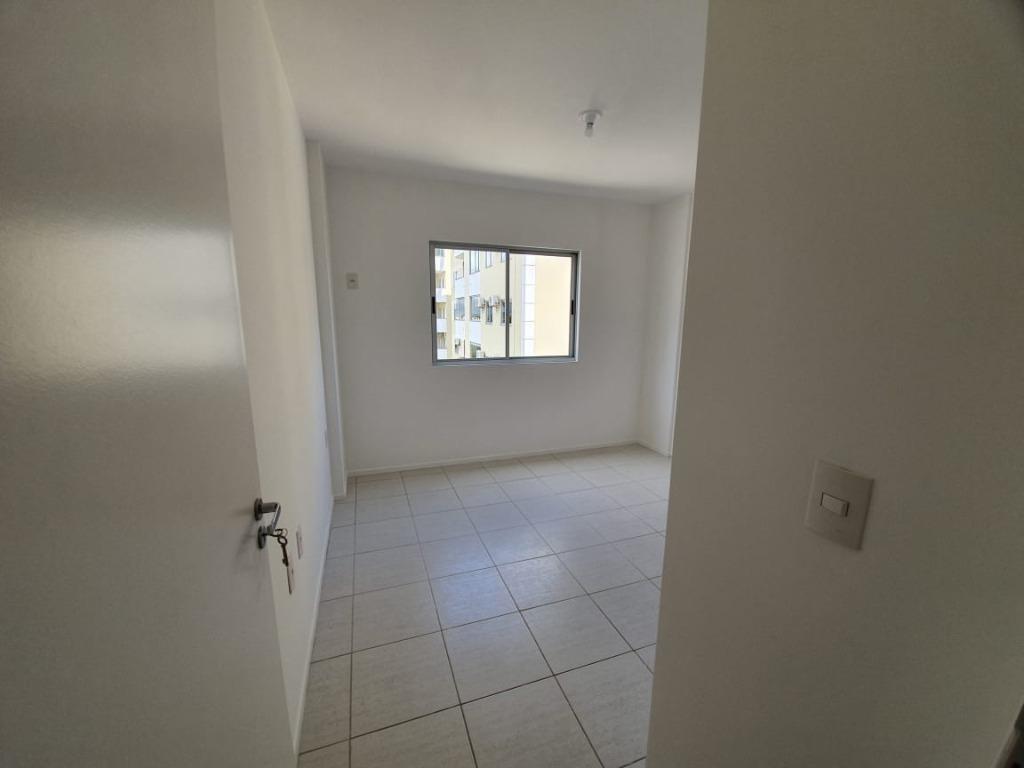 apartamento com 2 dormitórios à venda, 66 m² por r$ 185.000,00 - ponta de baixo - são josé/sc - ap6166