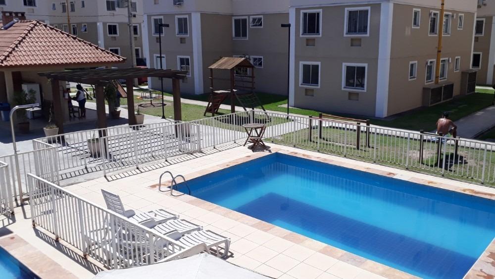 apartamento com 2 quartos, sala,cozinha com área, banheiro