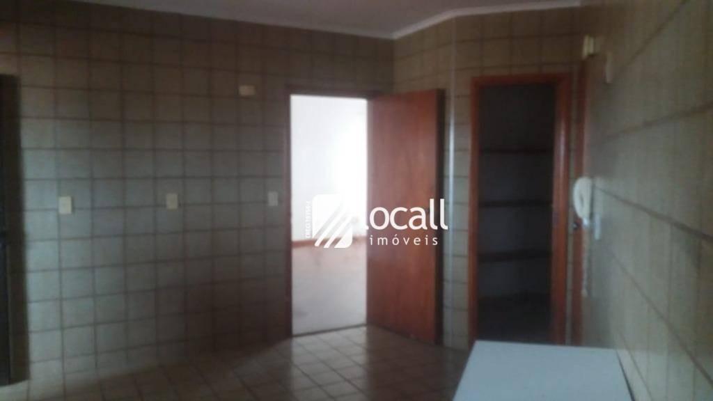 apartamento com 3 dormitórios para alugar, 132 m² por r$ 1.300/mês - boa vista - são josé do rio preto/sp - ap1712