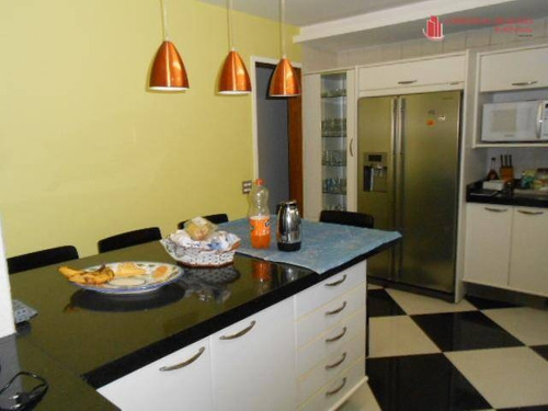 apartamento com cômodos amplos, arejados e com ar condicionado. - ap0440