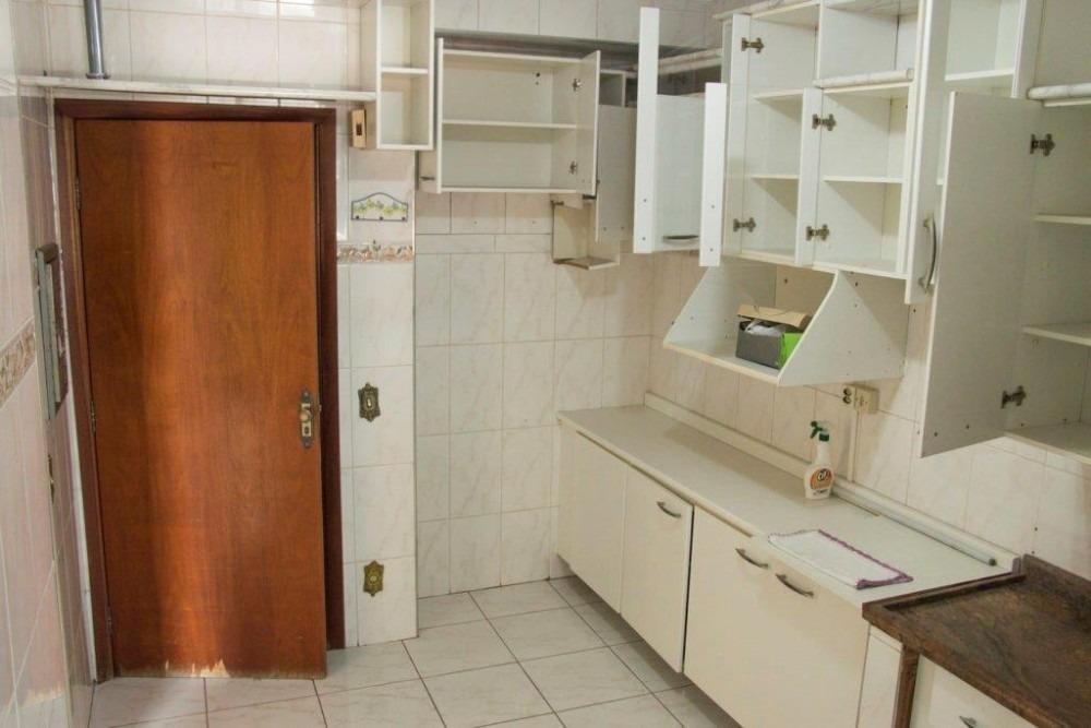apartamento com localização privilegiada.