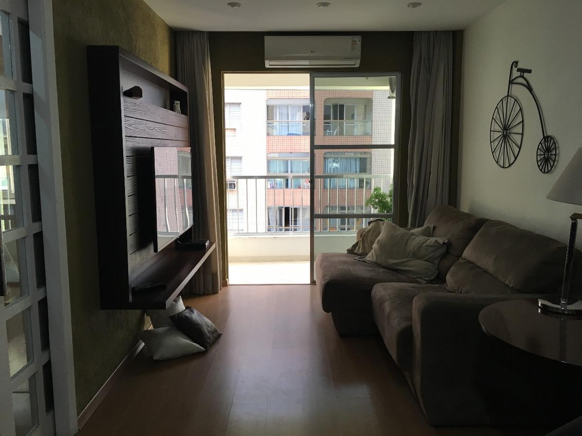 apartamento com sacada na ponta da praia - 1090