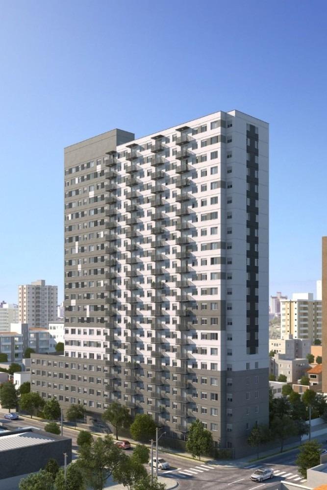 apartamento com varanda ao lado da estação