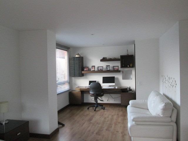 apartamento con 2 alcobas ,con baño y alcoba de empleada