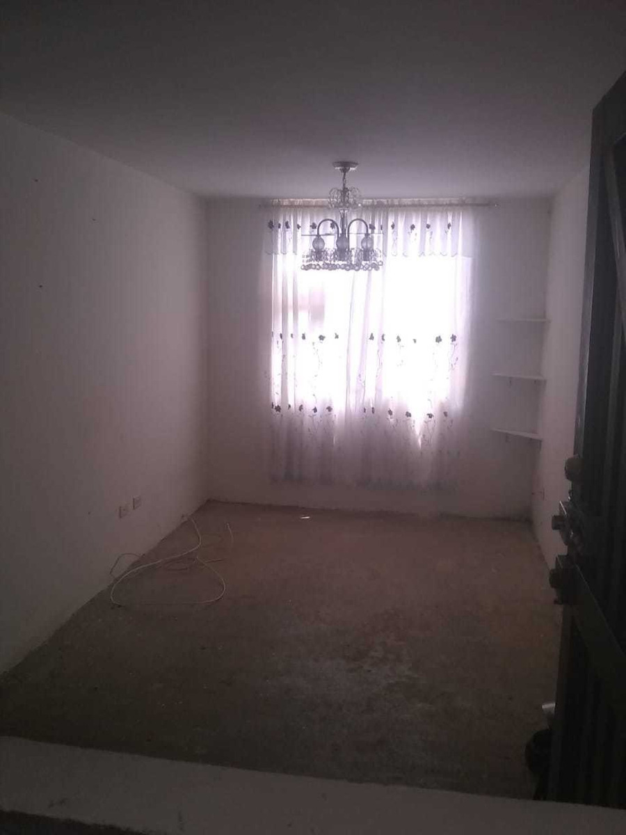 apartamento con 2 habitaciones y patio