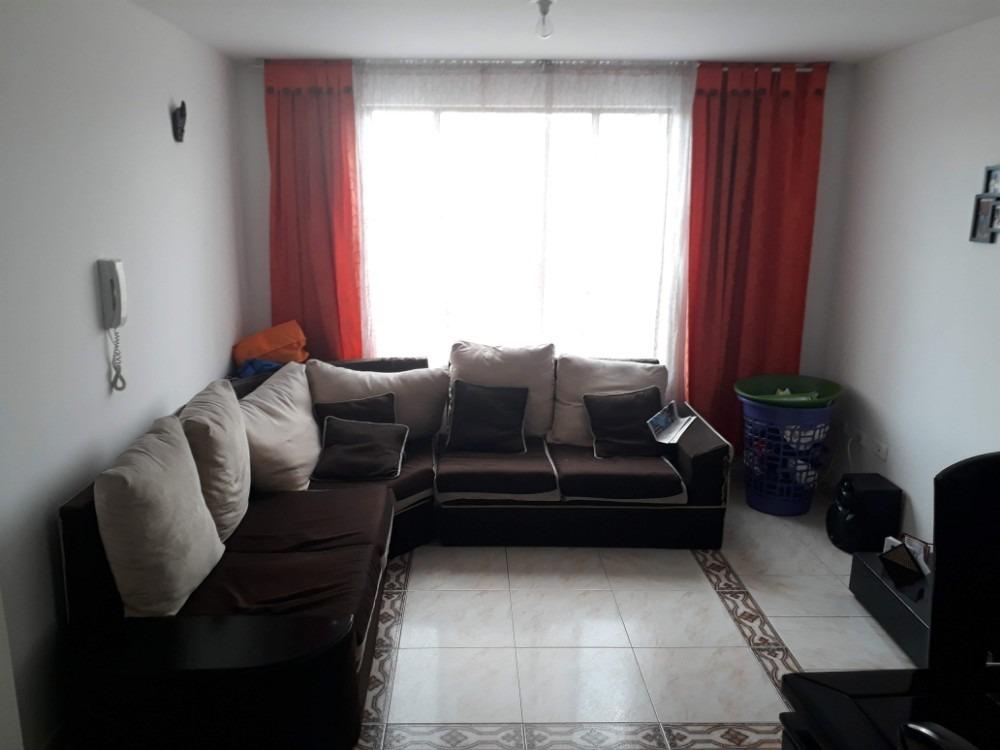 apartamento con buena ubicación en el barrio bosque popular