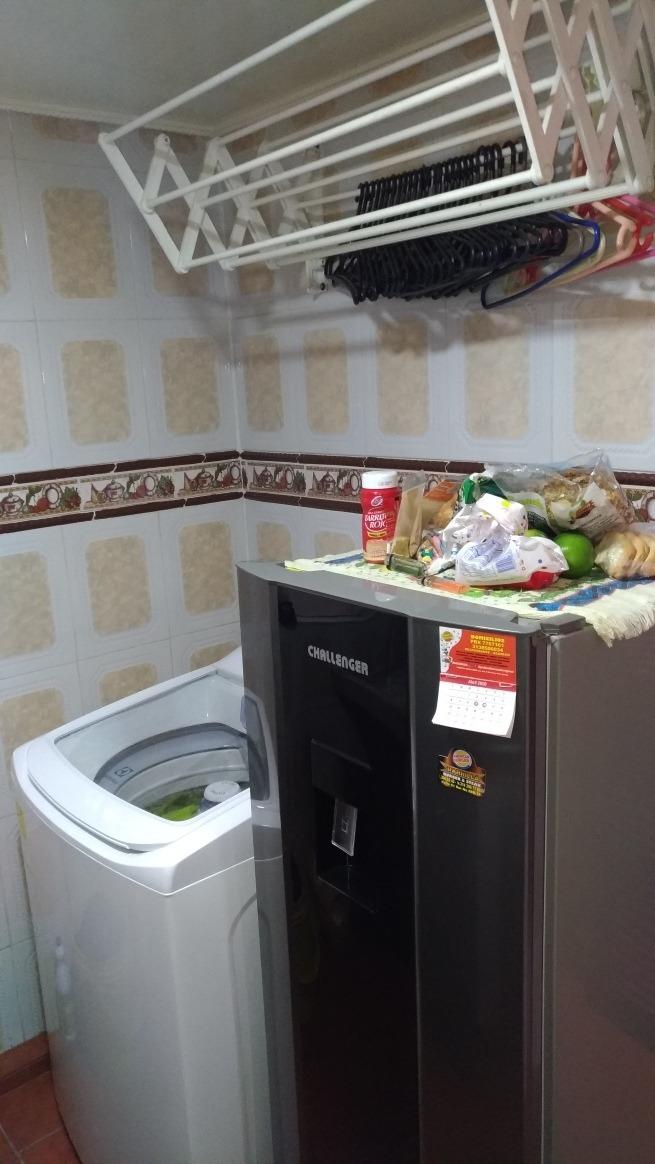 apartamento con dos habitaciones, baño,sala,comedor y cocina