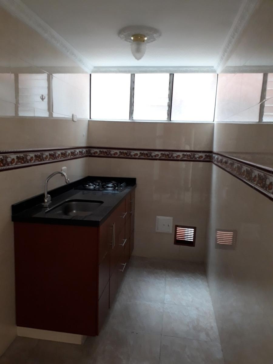 apartamento con excelentes acabados y ubicación.