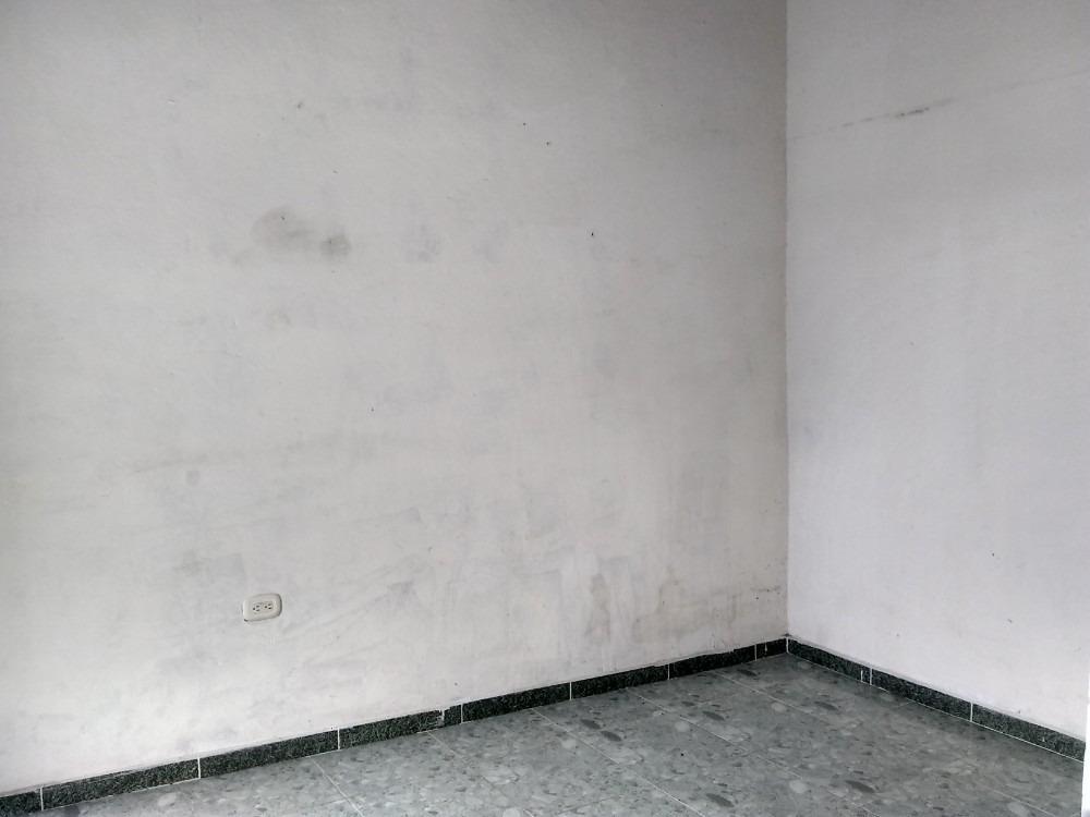 apartamento  con parqueadero cubierto altos del peñon