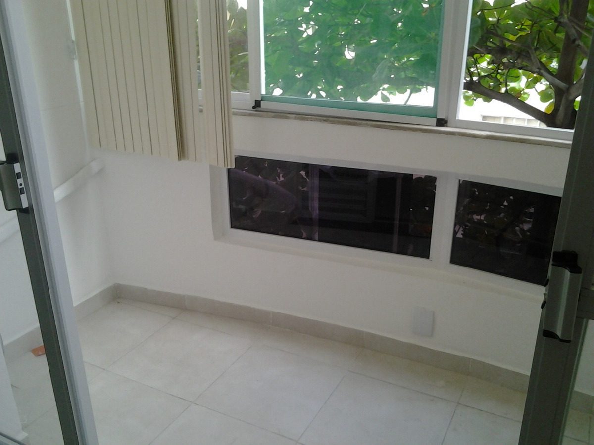 apartamento-conjugado em copacabana na quadra da praia próximo ao metro!! - cpki00370