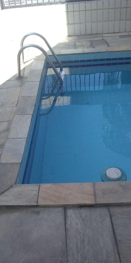 apartamento de 01 dormitório com sacada prédio com piscina