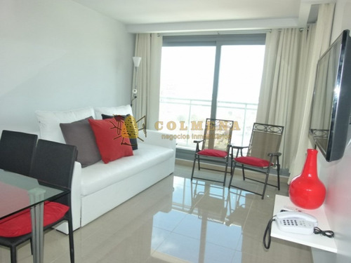 apartamento de 1 dormitorio 1 baño, muy buena ubicacion cerca de la playa brava. - ref: 1230