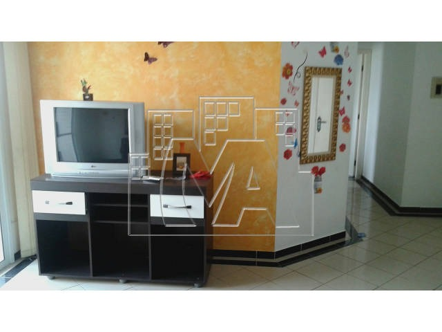 apartamento de 1 dormitório com sacada e churrasqueira