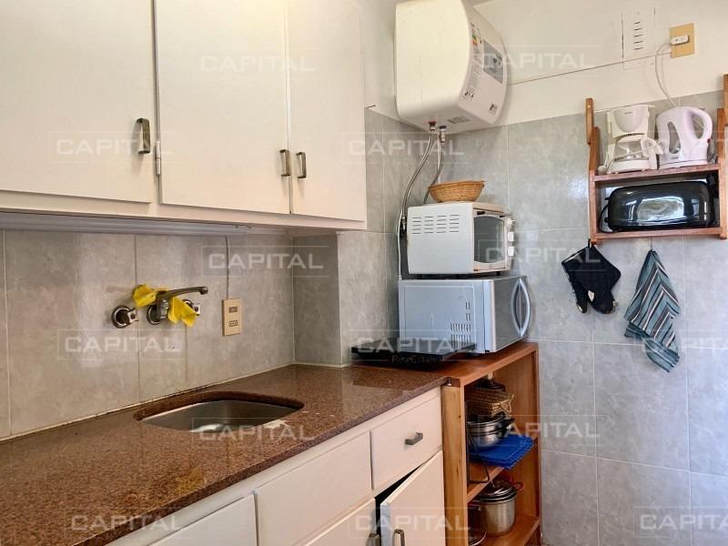 apartamento de 1 dormitorio en playa mansa-ref:28559