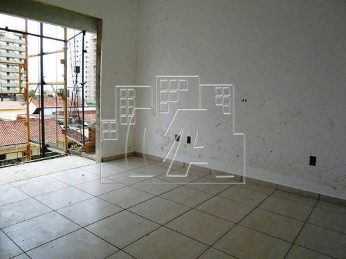 apartamento de 2 dormitórios com 1 suíte e sacada