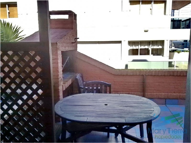 apartamento de 2 dormitorios con piscina en peninsula, punta del este-ref:419