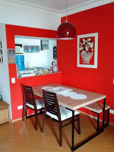 apartamento de 2 dormitórios, sendo 1 com armários. ref80159
