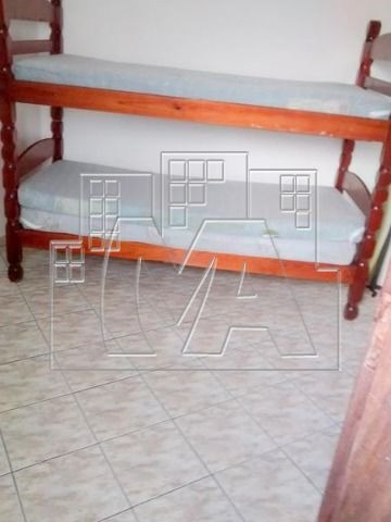 ¿¿apartamento de 2 dormitórios sendo que um é suite, com mais uma dependência de empregada, 2 wc sociais.
