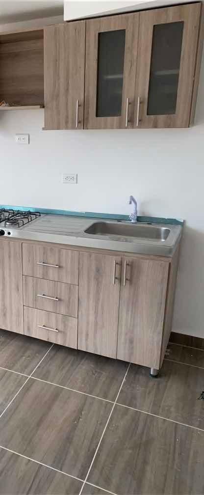 apartamento de 2 habitaciones 1 baño, sala comedor , balcón
