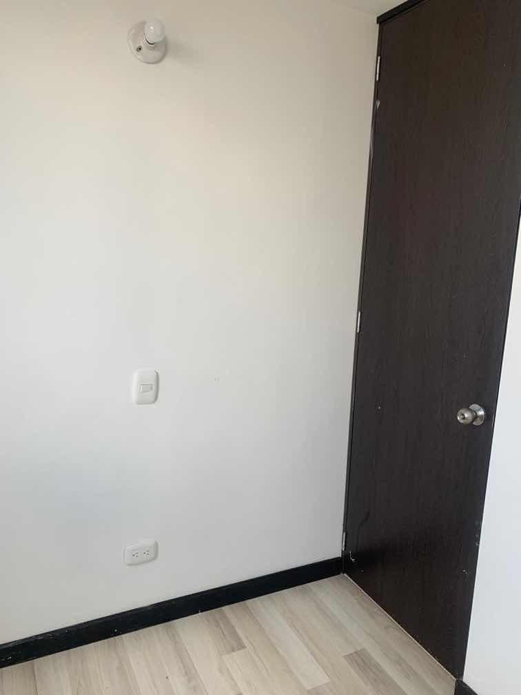 apartamento de 2 habitaciones en piso 16