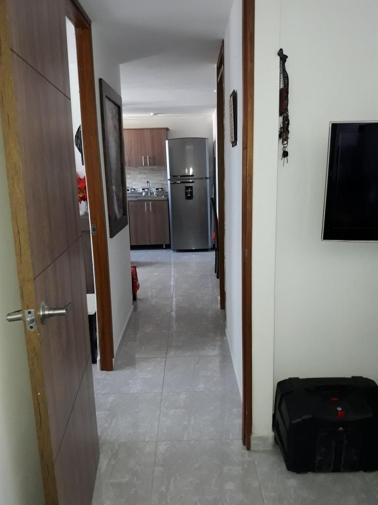 apartamento de 2 habitaciones grandes, sala comedor , cocina