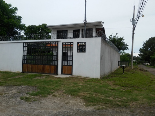 apartamento de 2 (planta baja y planta alta) liberia