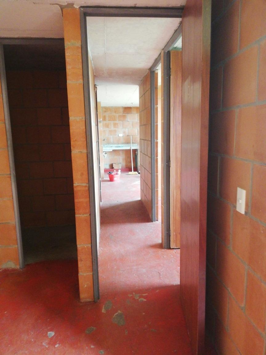 apartamento de 3 alcobas, 2 baños, cocina y sala comedor