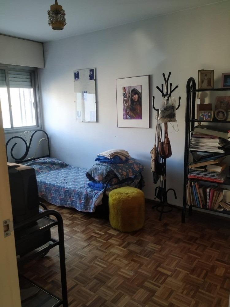 apartamento de 3 dorm. con garaje, en pleno pocitos!