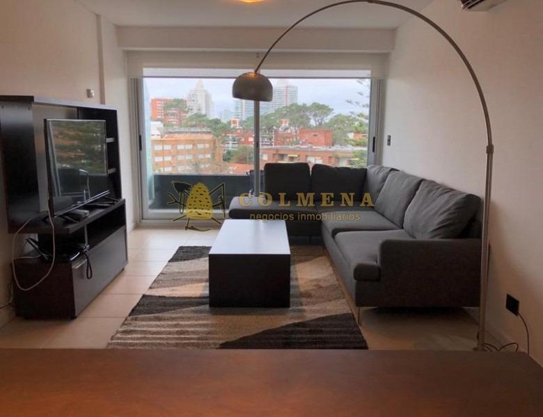 apartamento de 3 dormitiruis con balcon en muy buena ubicacion lado brava. consulte !!!!!!!-ref:2307