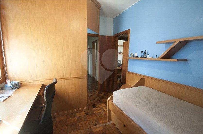 apartamento de 3 dormitórios reformado  próximo zaffari da cristívão - 28-im477331