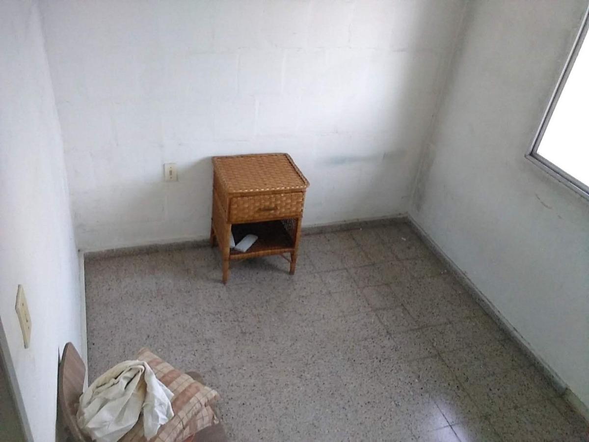 apartamento de 3 dormitorios u$s 65000