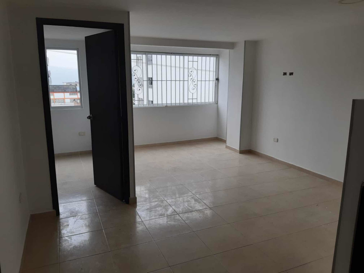 apartamento de 3 habitaciones, 2 baños y parqueadero