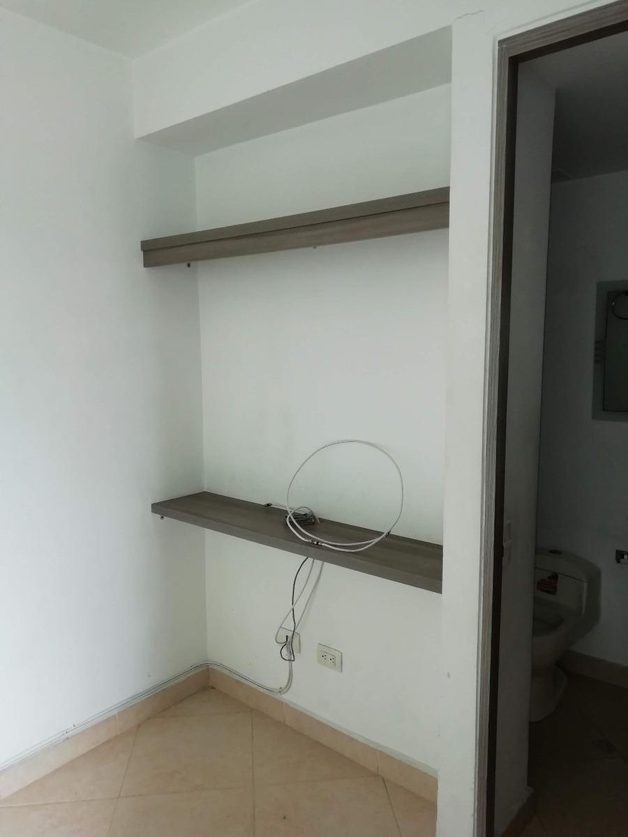 apartamento de 3 habitaciones, dos baños, sala comedor