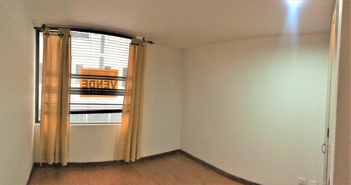 apartamento de 3 habitaciones en excelente ubicación.