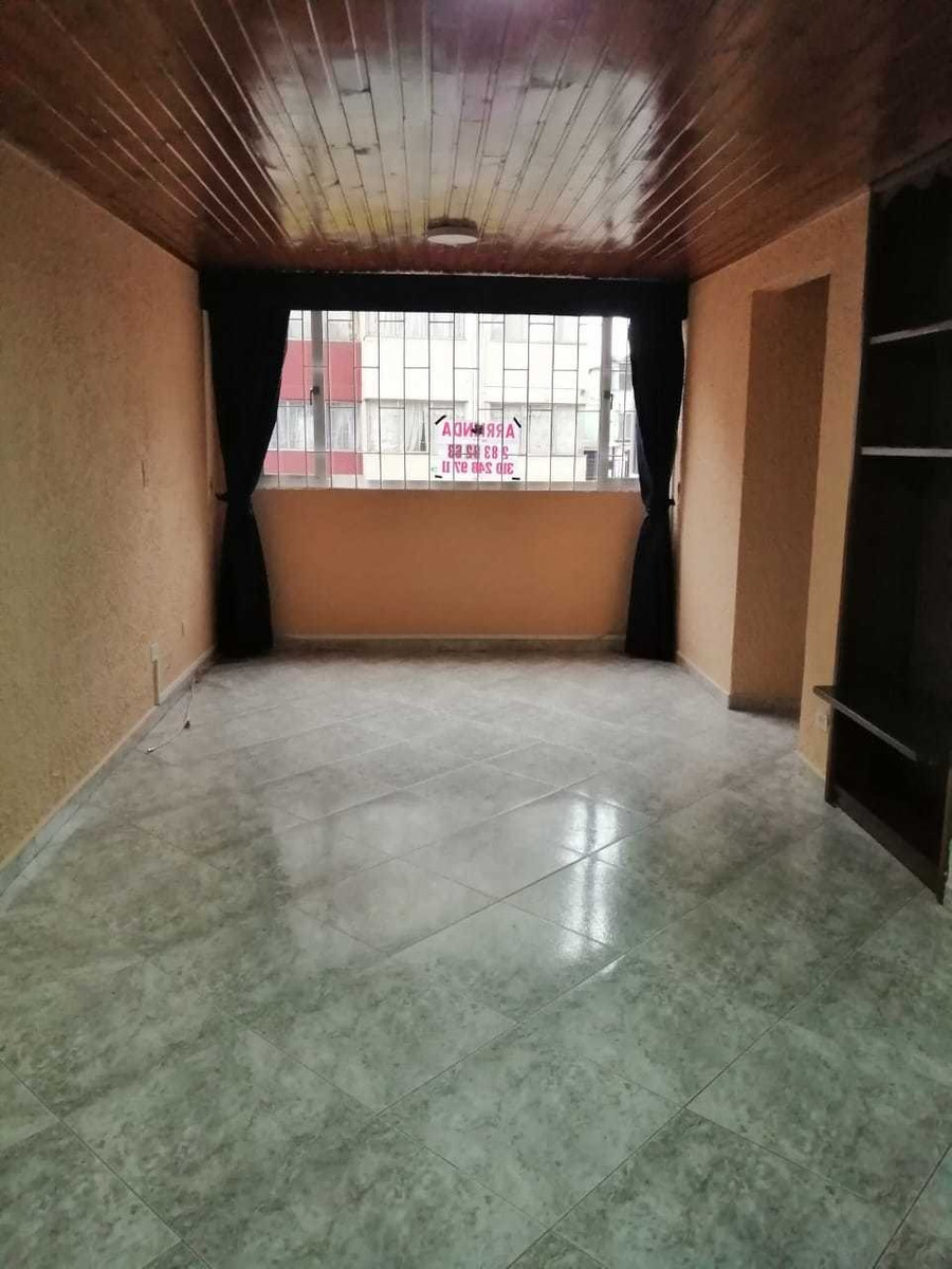 apartamento de 3 habitaciones en un primer piso