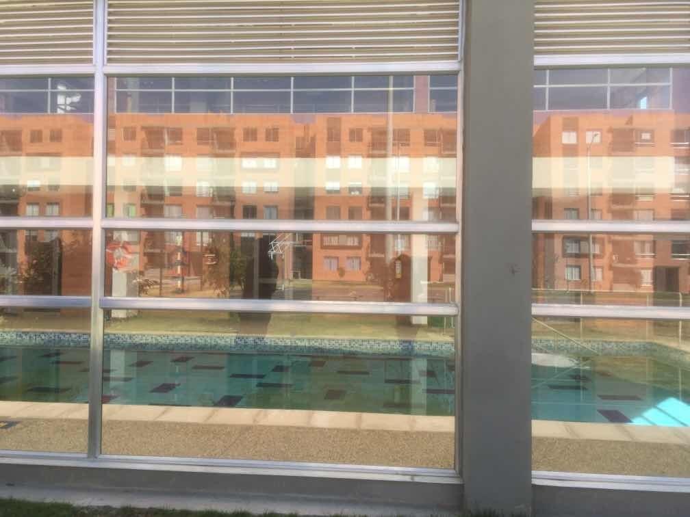 apartamento de 3 habitaciones, sala,comedor 1 baño balcón
