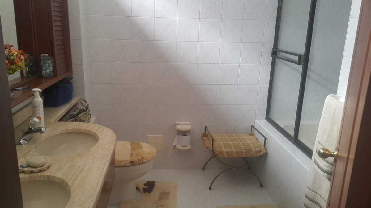 apartamento de 3 habitaciones y 2 baños