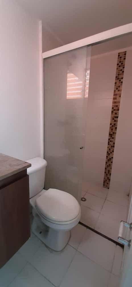 apartamento de 3 habitaciones y dos baños