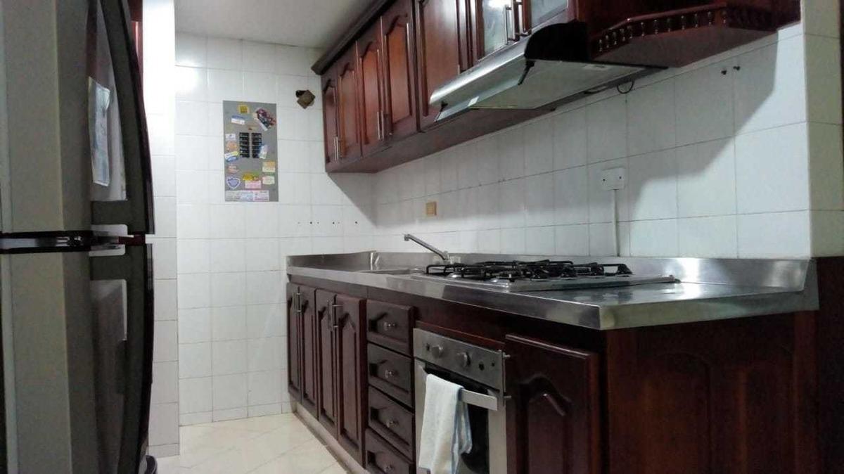 apartamento de 3 habitaciones y dos baños, (baño privado)