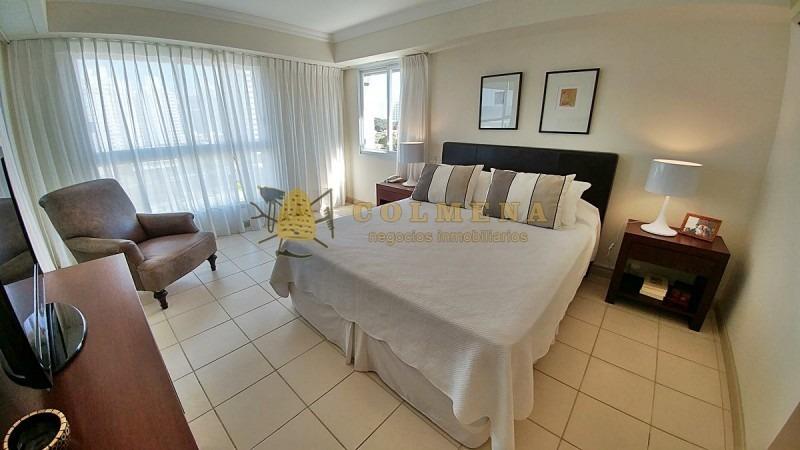 apartamento de 3 mas dep. de servicio terraza con churrasquera en playa brava, punta del este!!!!!!- ref: 1858