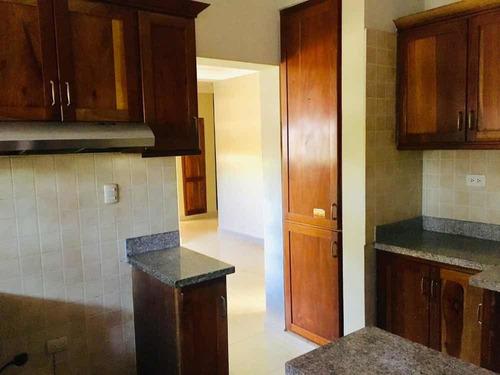 apartamento de 3habitaciones en el ensanche quisqueya