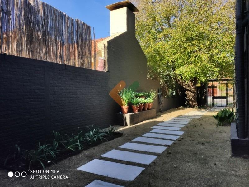 apartamento de 4 dormitorios a pasos de jardines de carrasco- ref: 7755